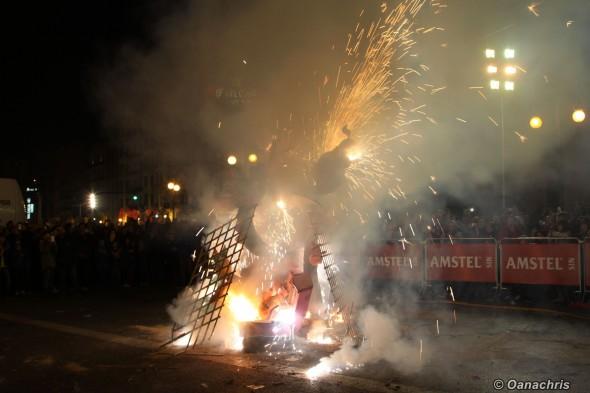 Valencia Feria de Falles -Burning the Falles infantiles (3)