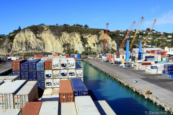 Approaching the berth in the port of Napier (3)