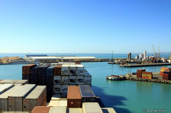Entering the Port of Napier (3)