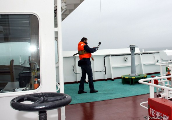 Pilot coming on the vessel by helicopter (2)