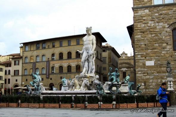 Piazza della Signoria Neptune Statue Firenze
