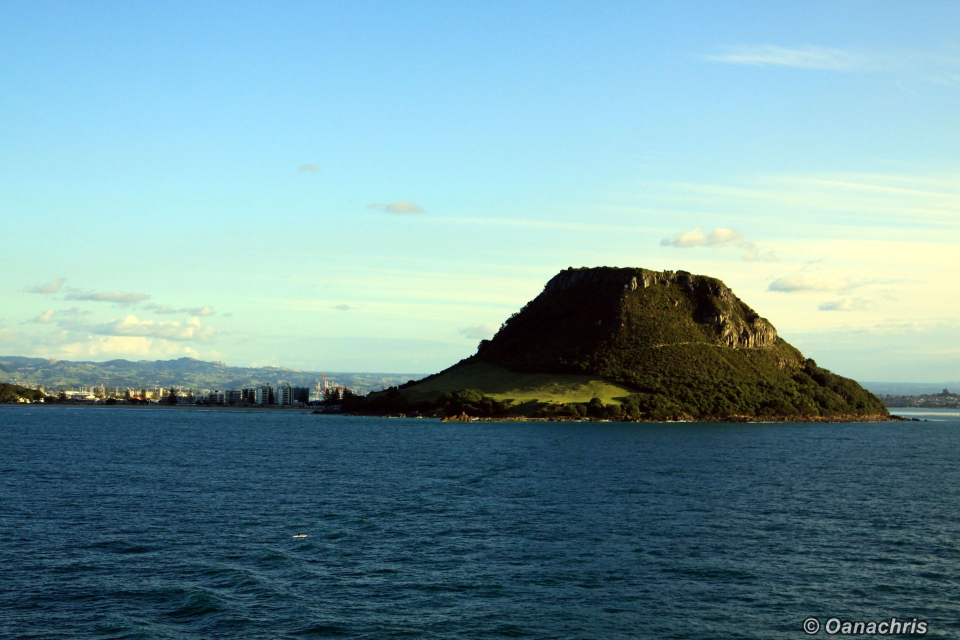 entering the port of tauranga  nz